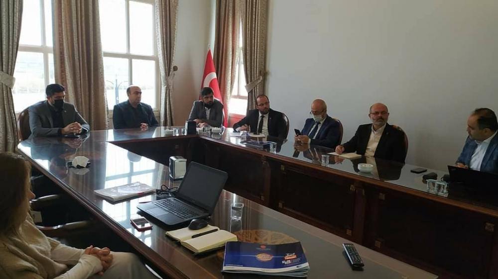 Bahariye Mevlevihane'sindeki vakıf merkezimizi ziyarete gelen GİV Konya şubemiz ile bugün verimli bir toplantı gerçekleştirdik.